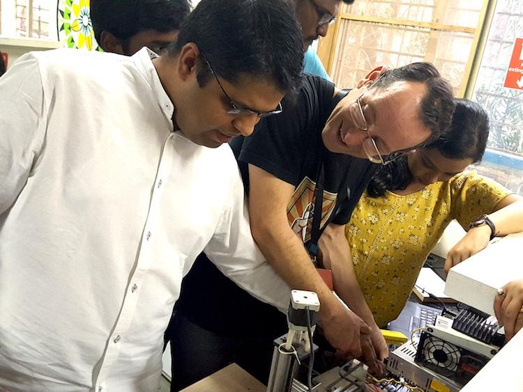 Hugues AubIn  - Mumbai  - crédits Makery.info.